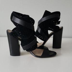 Guess shoeties